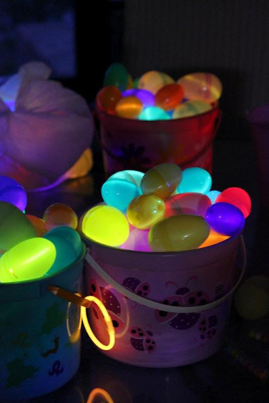 Glow party ideas activedark glowing ideas glow basket solutioingenieria Choice Image